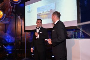Photo of Bart Kemps on stage at Piet Heyn Award
